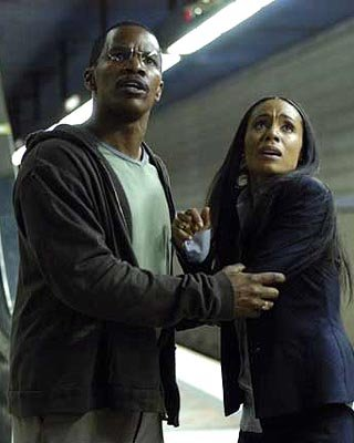 Jamie Foxx and Jada Pinkett Smith in DreamWorks' Collateral