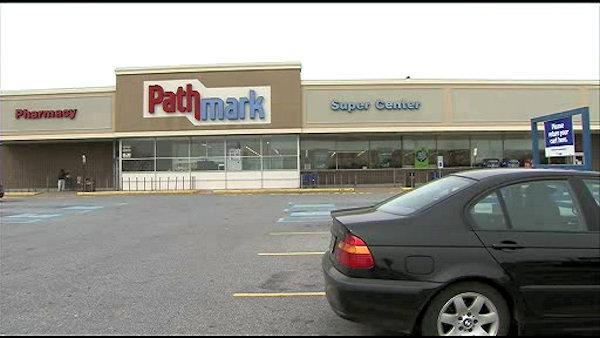 Woman, 89, robbed in Wilmington supermarket parking lot