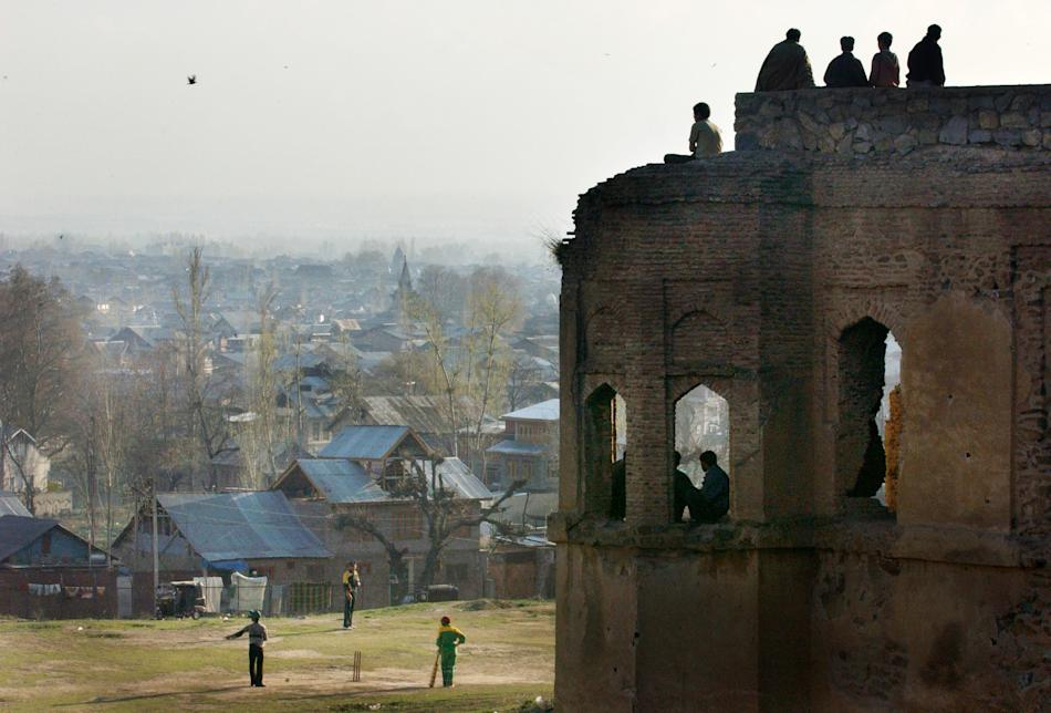 Kashmiris Play Cricket On Eve Of Match Between India And Pakistan