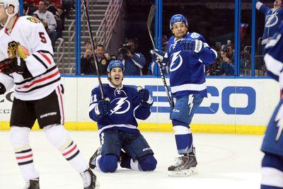 NHL roundup: Tampa Bay routs Chicago, Anaheim beats LA