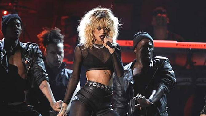 American Music Awards: Rihanna, Nicki Minaj lead nominations