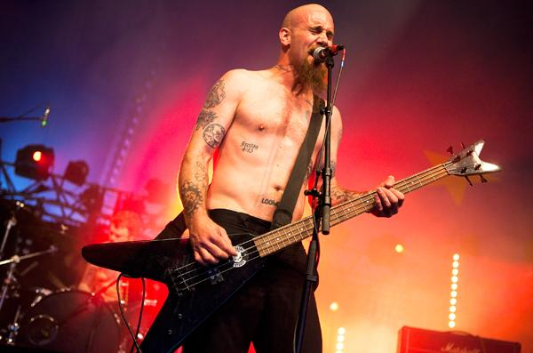 Former Queens of the Stone Age Bassist Reunites With Band on New Album