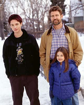 "Gregory Smith as Ephram Brown, Treat Williams as Dr. Andrew Brown and Vivien Cardone as Delia Brown The WB's ""Everwood"" Everwood"