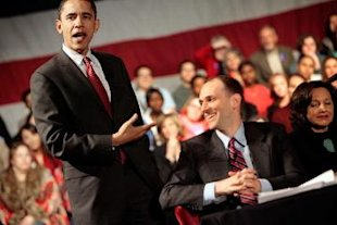 Barack Obama gestures to Austan Goolsbee at a campaign event in February 2008.