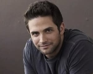 Bones Scoop: GH's Brandon Barash to Bare All
