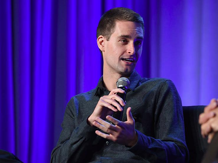Snapchat aims to raise $4 billion when it IPOs next year