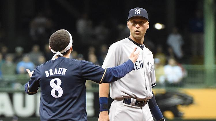 MLB: New York Yankees at Milwaukee Brewers