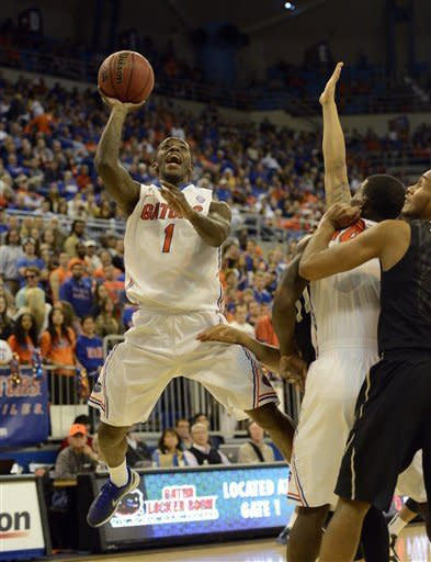 No. 11 Florida routs Vandy, clinches SEC title