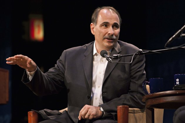 David Axelrod, communications director for U.S. President Barack Obama's re-election campaign, Democratic strategist and former senior advisor to President Obama, speaks during a conversation with John Heilemann of New York magazine at the 92nd Street Y in New York, June 11, 2012. REUTERS/Andrew Burton (UNITED STATES - Tags: POLITICS ELECTIONS)