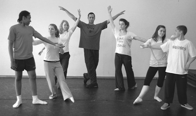 Former English National Ballet Dancer Stephen Moonesamy at work in a local school — NSB.Northants.Sch.uk
