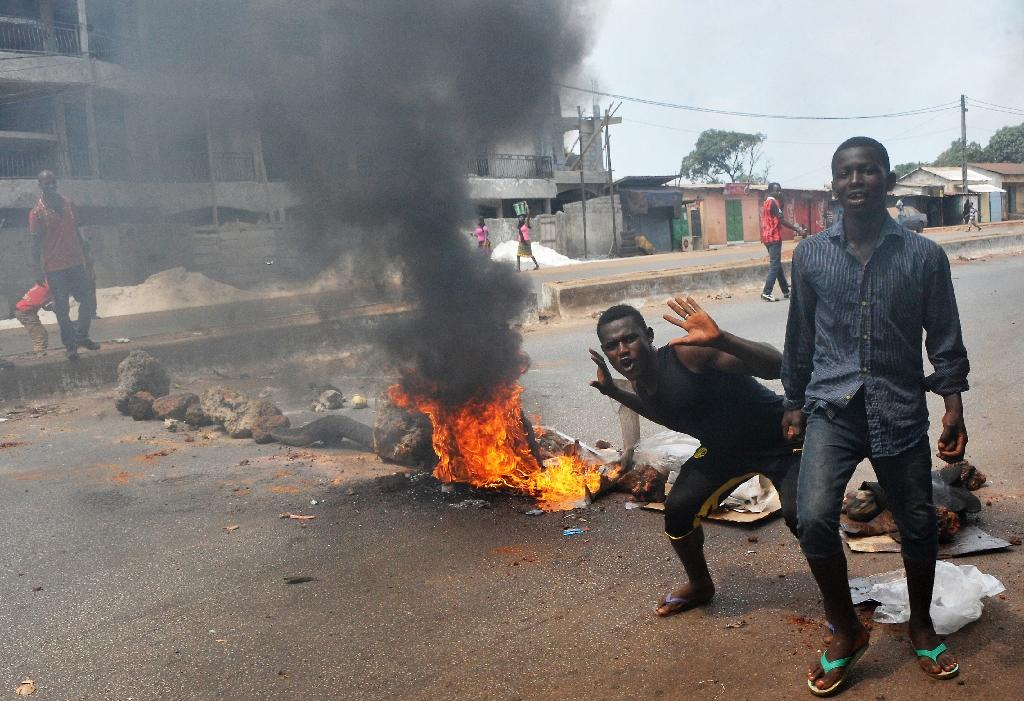 Guinea clamps down on anti-government protests