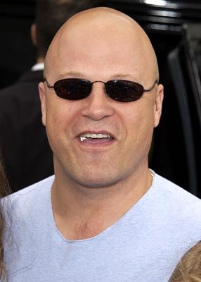 Premiere: Michael Chiklis at the Hollywood premiere of Scooby Doo - 6/8/2002