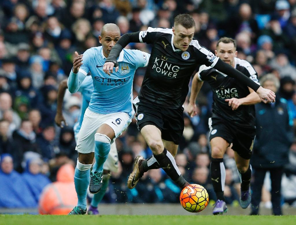Leicester and Arsenal play pass the pressure