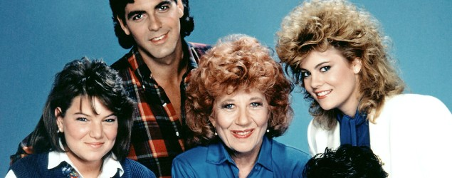 'Facts of Life' co-star dishes on Clooney's looks
