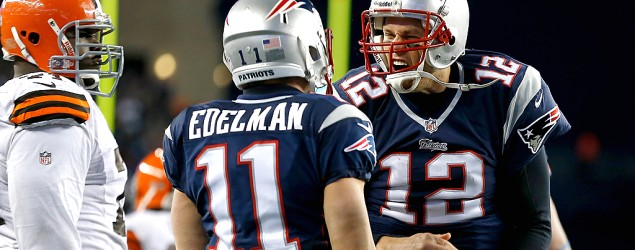 Terrible call gives Tom Brady, Patriots a gift win. (Getty Images)