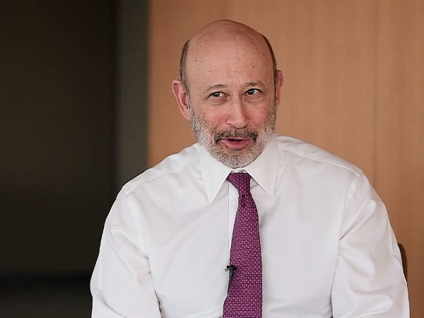 Goldman Sachs CEO defends prevalence of company execs in government