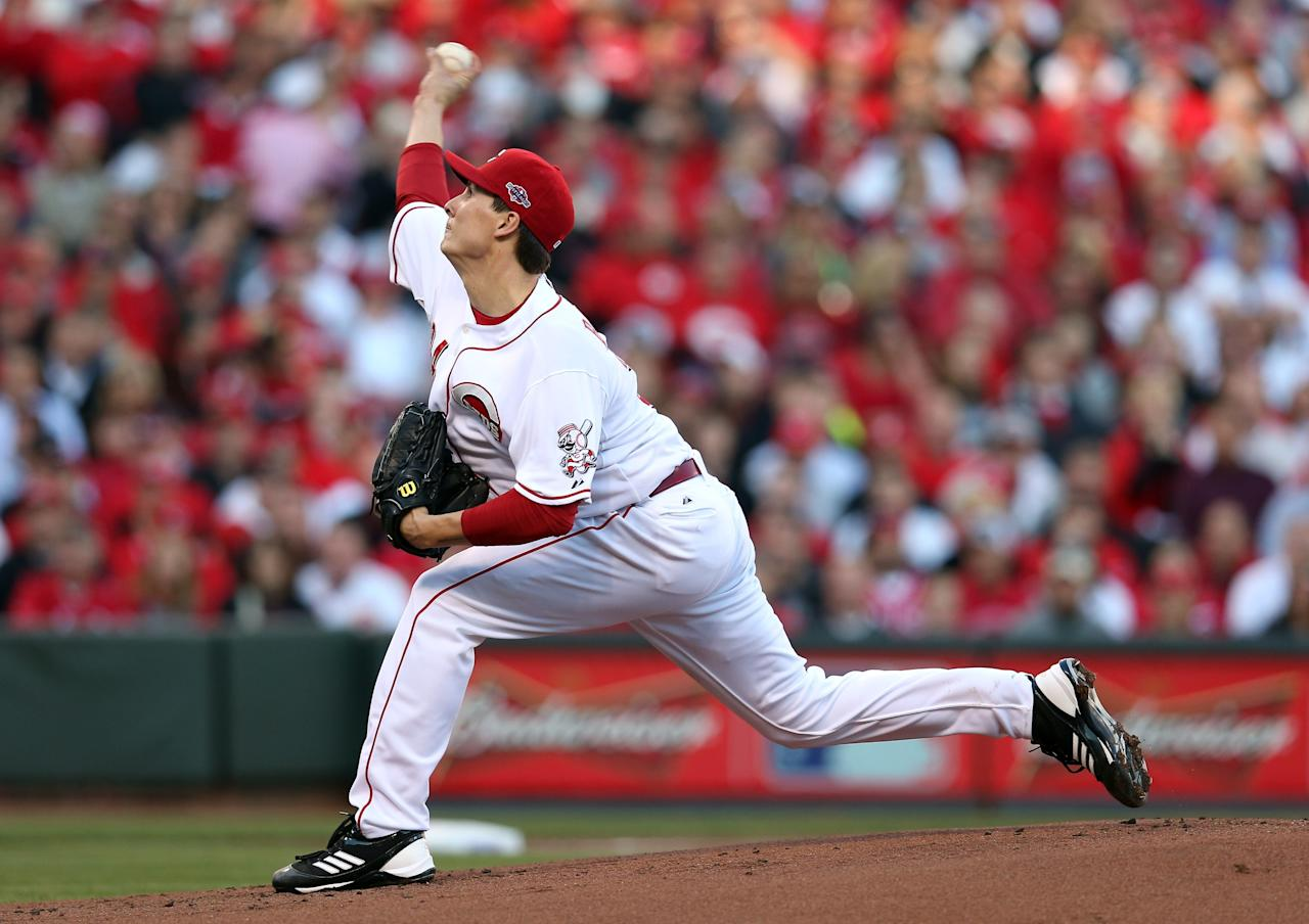 CINCINNATI, OH - OCTOBER 09:  Homer Bailey #34 of the Cincinnati Reds pitches in the first inning against the San Francisco Giants in Game Three of the National League Division Series at the Great American Ball Park on October 9, 2012 in Cincinnati, Ohio.  (Photo by Jonathan Daniel/Getty Images)