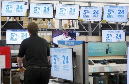 Best Buy reports surprise rise comparable-stores sales