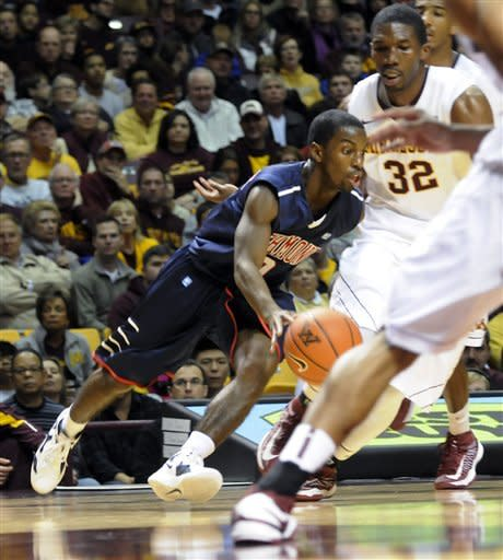 Williams leads Minnesota rally past Richmond 72-57