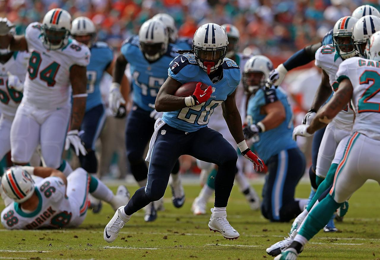 MIAMI GARDENS, FL - NOVEMBER 11:  Chris Johnson #28 of the Tennessee Titans rushes during a game against the Miami Dolphins at Sun Life Stadium on November 11, 2012 in Miami Gardens, Florida.  (Photo by Mike Ehrmann/Getty Images)