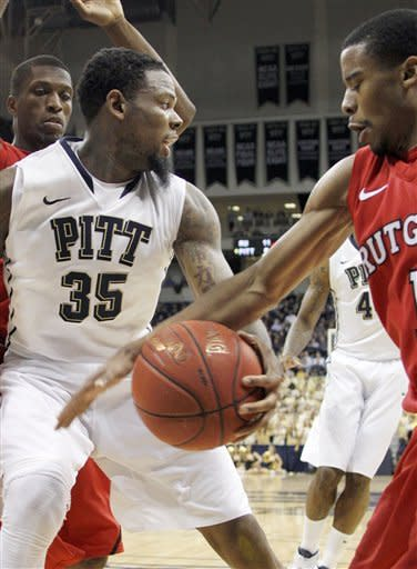 Rutgers hands Pittsburgh 5th straight loss, 62-39