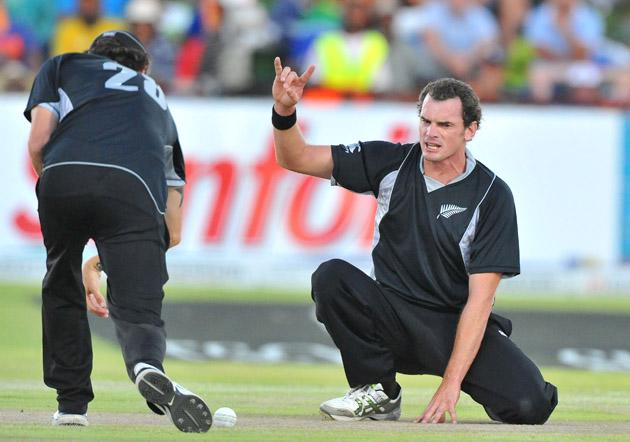 Kyle Mills of New Zealand Appeals during the 2nd One Day International match between South Africa and New Zealand at De Beers Diamond Oval on January 22, 2013 in Kimberley, South Africa. (Photo by Duif du Toit/Gallo Images/Getty Images)