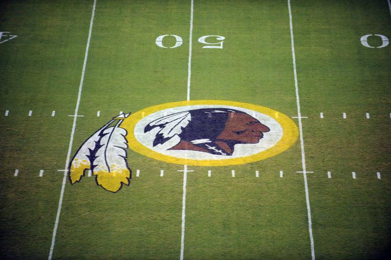 US poll finds widespread support for Redskins name