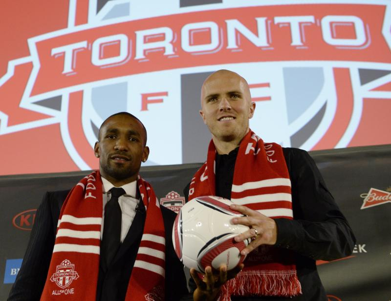Michael Bradley signs with Toronto