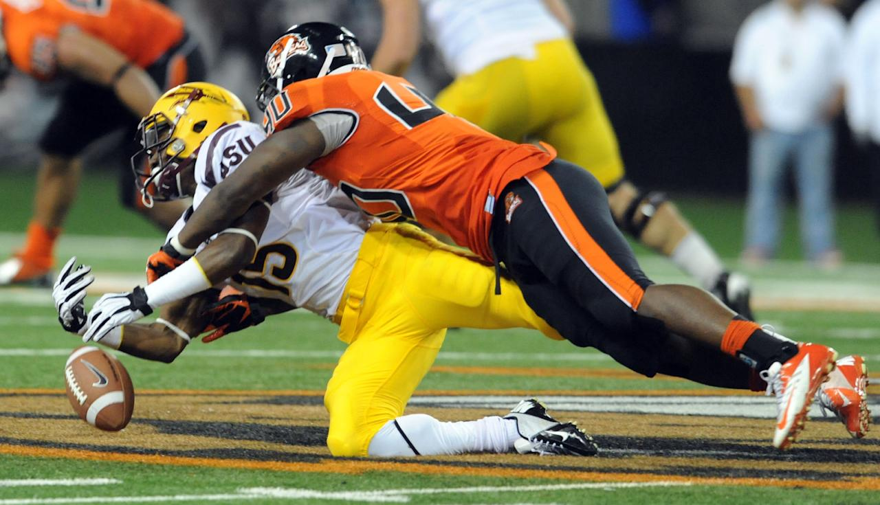 CORVALLIS, OR - NOVEMBER 03: Linebacker Michael Doctor #40 of the Oregon State Beavers breaks up a pass intended for wide receiver Rashad Ross #15 of the Arizona State Sun Devils in the third quarter of the game on November 3, 2012 at Reser Stadium in Corvallis, Oregon. The Beavers won the game 36-26. (Photo by Steve Dykes/Getty Images)