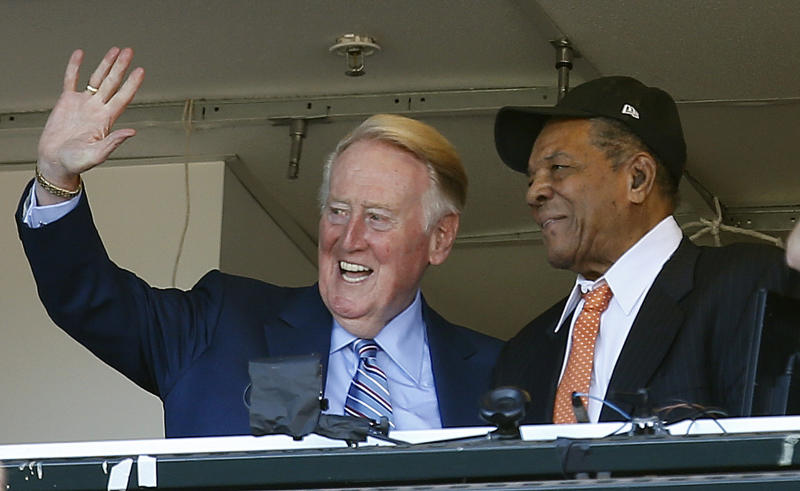 Scully calls final game in Hall of Fame broadcasting career