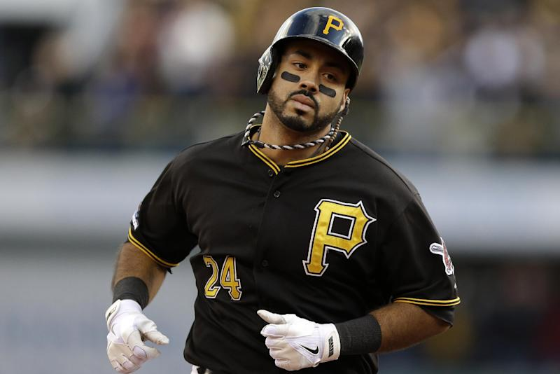 Pirates avoid arbitration with 6 players