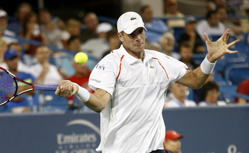 Isner reaches 2nd round at Western & Southern