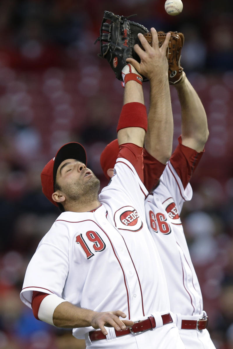 Reds place 1B Votto on DL, reinstate OF Bruce