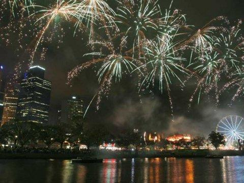 8 new years yarra park melbourne