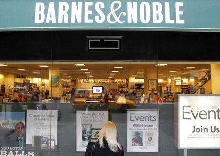 Barnes & Noble ousts CEO