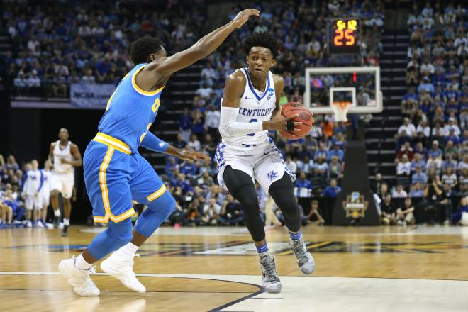 Fox scores career-high 39 points to lead Wildcats past UCLA