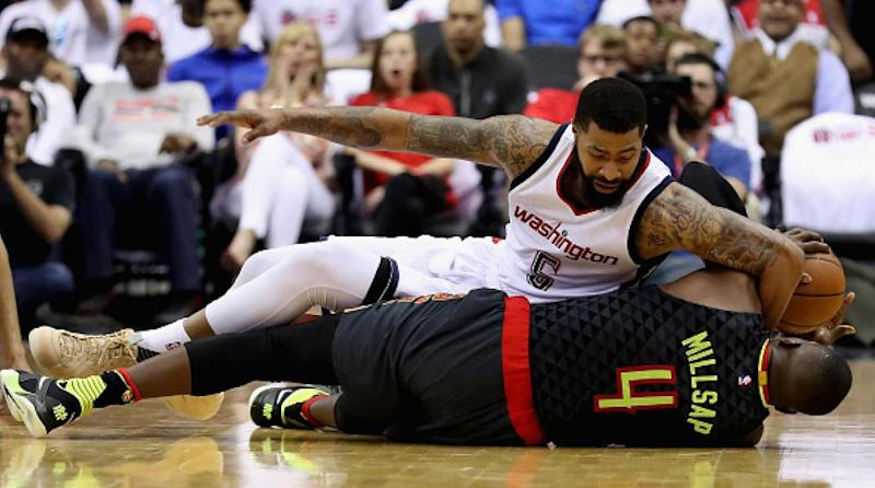 Wizards pull away from Hawks in high-fouling Game 2