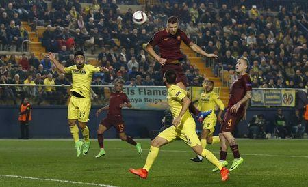 Football Soccer - FC Villarreal v AS Roma - UEFA Europa League Round of 32 First Leg - Estadio de la Ceramica, Villarreal, Spain - 16/2/17 Roma's Edin Dzeko heads at goal Reuters / Albert Gea Livepic