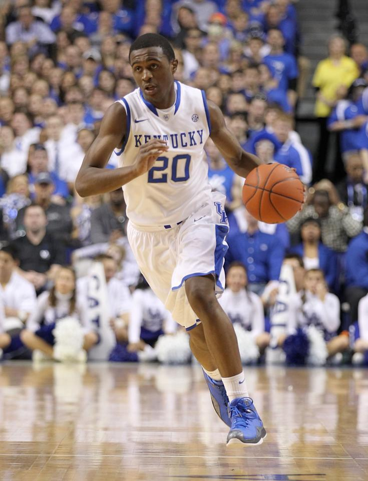 LEXINGTON, KY - FEBRUARY 18:  Doron Lamb #20 of the Kentucky Wildcats dribbles the ball during the game against the Ole Miss Rebels at Rupp Arena on February 18, 2012 in Lexington, Kentucky.  (Photo by Andy Lyons/Getty Images)