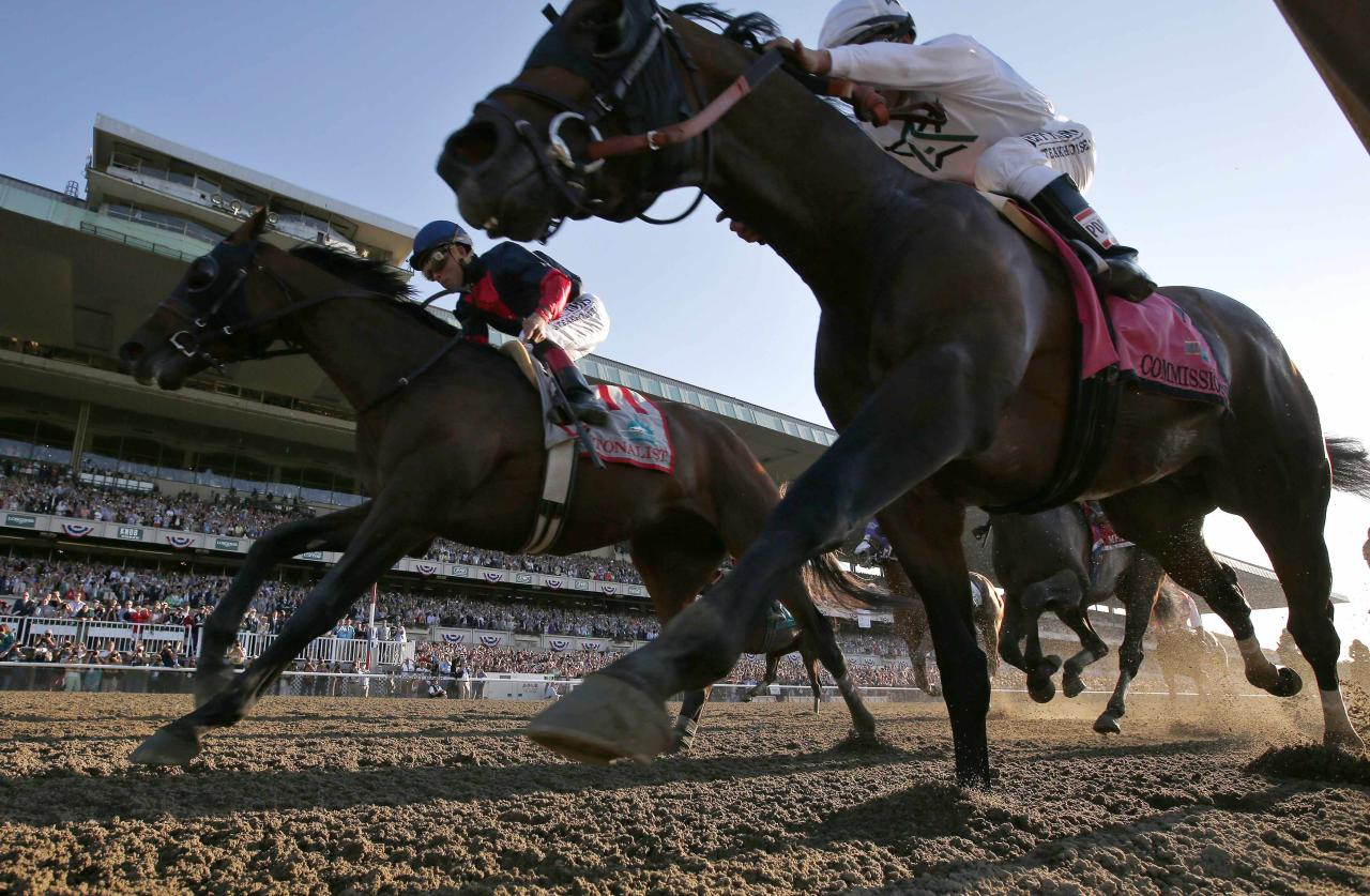Tonalist (back L) with jockey Joel Rosario races to win the 146th running of the Belmont Stakes at Belmont Park in Elmont, New York, June 7, 2014. Commisioner who placed second is at right. REUTERS/Mike Segar (UNITED STATES - Tags: SPORT HORSE RACING)