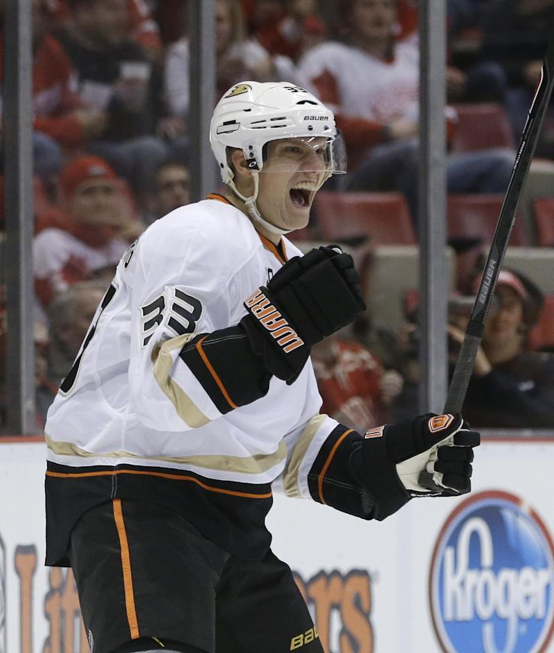 Ducks too much for Red Wings 5-2