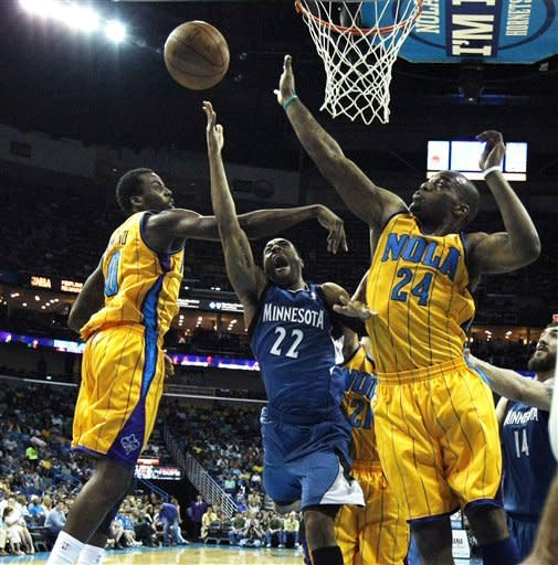 Smith, Kaman lead Hornets past Timberwolves