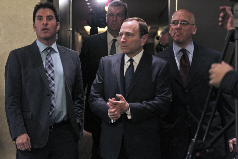 NHL owners, players trade offers but no labor deal