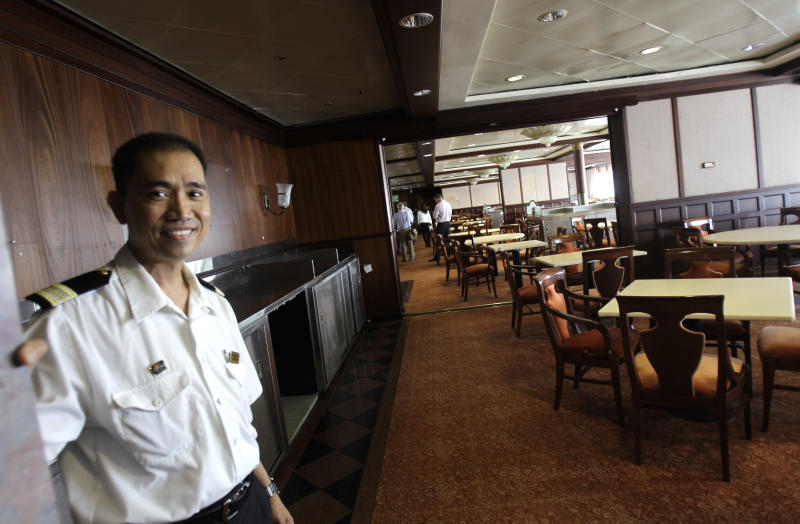 Liner QE2 to host visitors again as hotel in Dubai