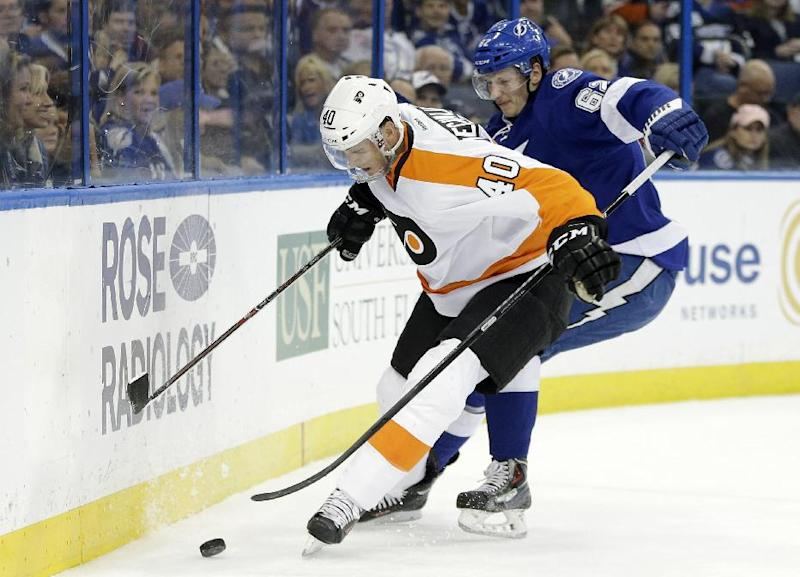 Hedman scores 2 goals, Lightning top Flyers 4-2
