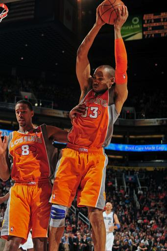 Suns get 1st win over Mavericks in 9 tries