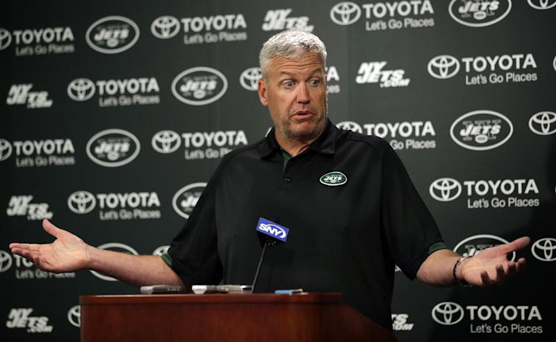 Jets' Ryan defensive about Pettine's playbook tale