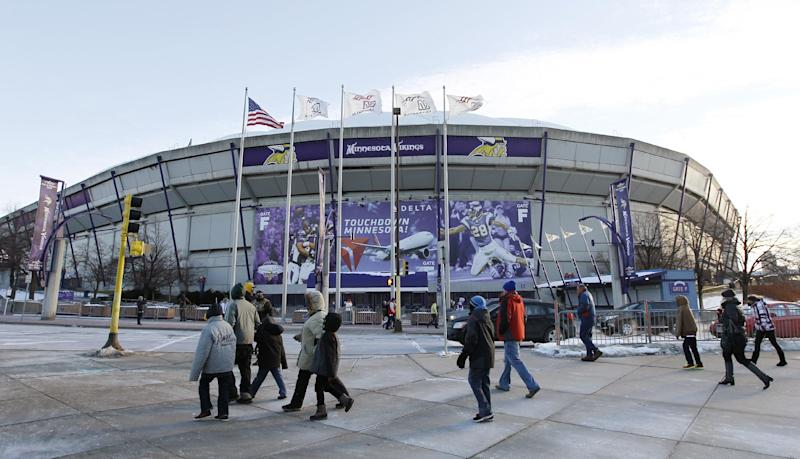 Vikings leave Metrodome with victory over Lions