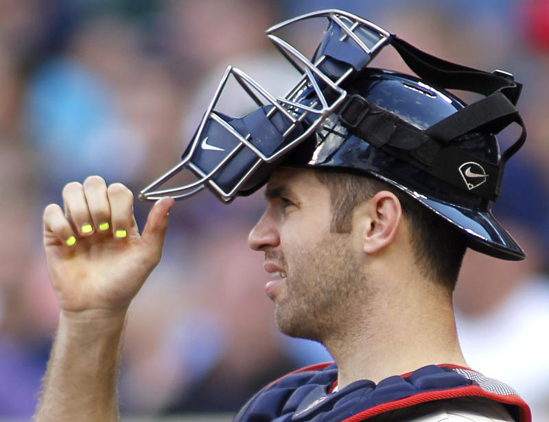 Twins say catcher Joe Mauer moving to first base