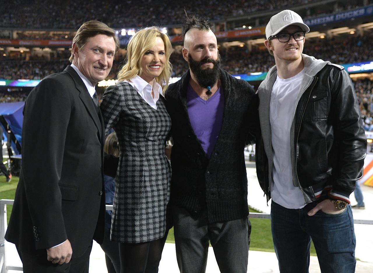LOS ANGELES, CA - JANUARY 25: Wayne Gretzky, Janet Gretzky, Brian Wilson #00 of the Los Angeles Dodgers and Justin Timberlake pose for a photo before the game between the Los Angeles Kings and the Anaheim Ducks during the 2014 Coors Light NHL Stadium Series at Dodger Stadium on January 25, 2014 in Los Angeles, California. (Photo by Harry How/Getty Images)